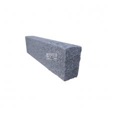 Cordolo in granito lavorato alla punta